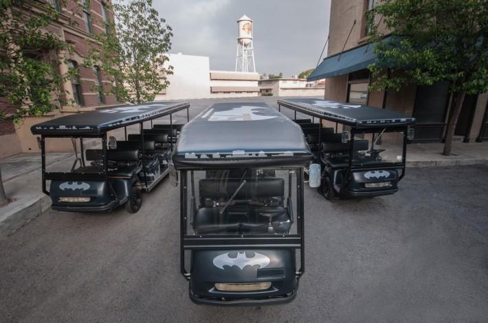 Batman-Tour-Carts_53c99b7d9a2b23.03590637-710x471